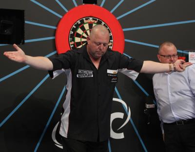 The King Storms Past Aspinall into Round 2 - World Matchplay Opening Weekend Round-up