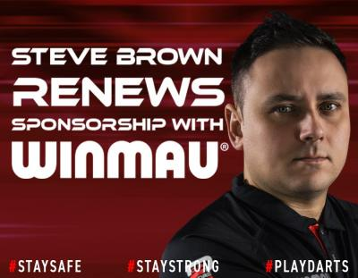Steve Brown Signs New Player Deal with Winmau