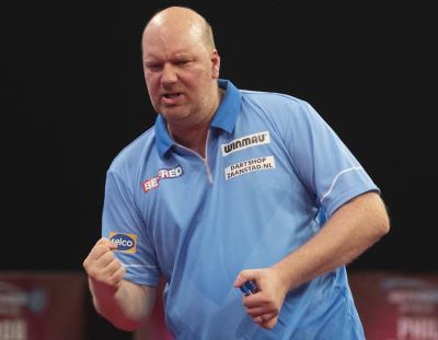 Van der Voort Smashes his way into World Matchplay Round 2