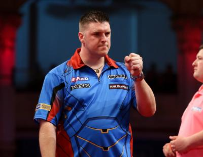Quarter-finals beckon for Superchin - World Matchplay Day Five