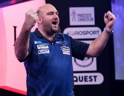 Waites Powers into Lakeside Quarter-finals